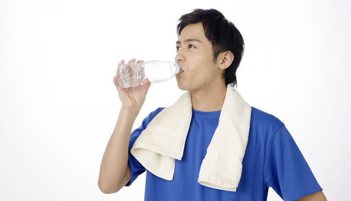 1日の飲む水の量