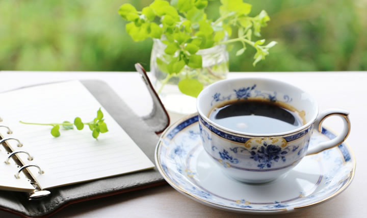 コーヒーやお茶は水分補給には向かない