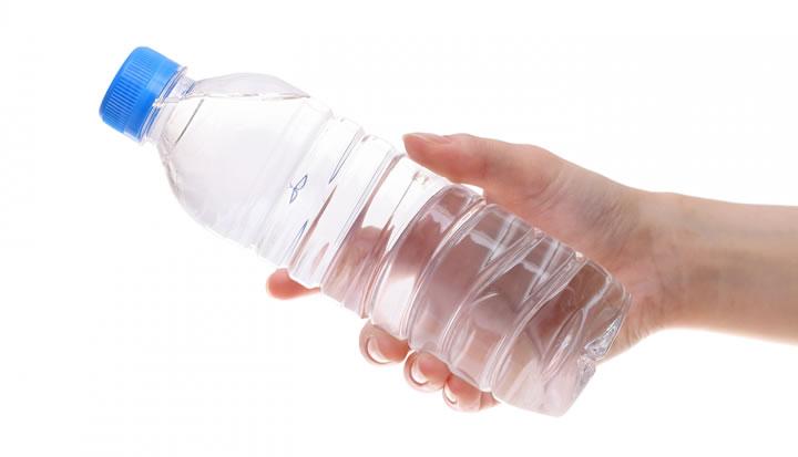 どのような水を飲めばよいか